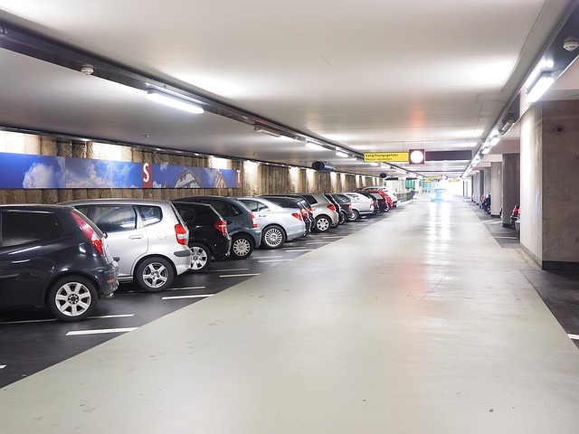 Multi storey car park 1271917 640